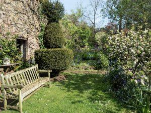 Cottage /Garden